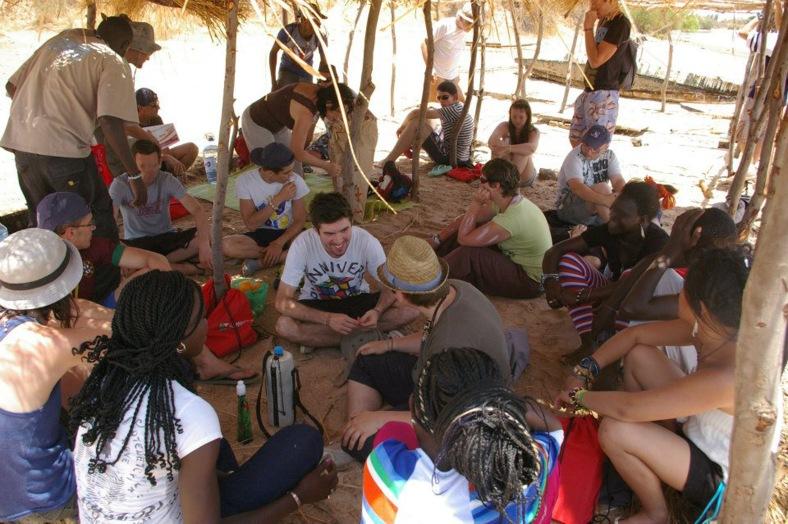 Anthony et Florian au Sénégal avec d'autres jeunes de la Mission Teranga. (c) Florian Corbice